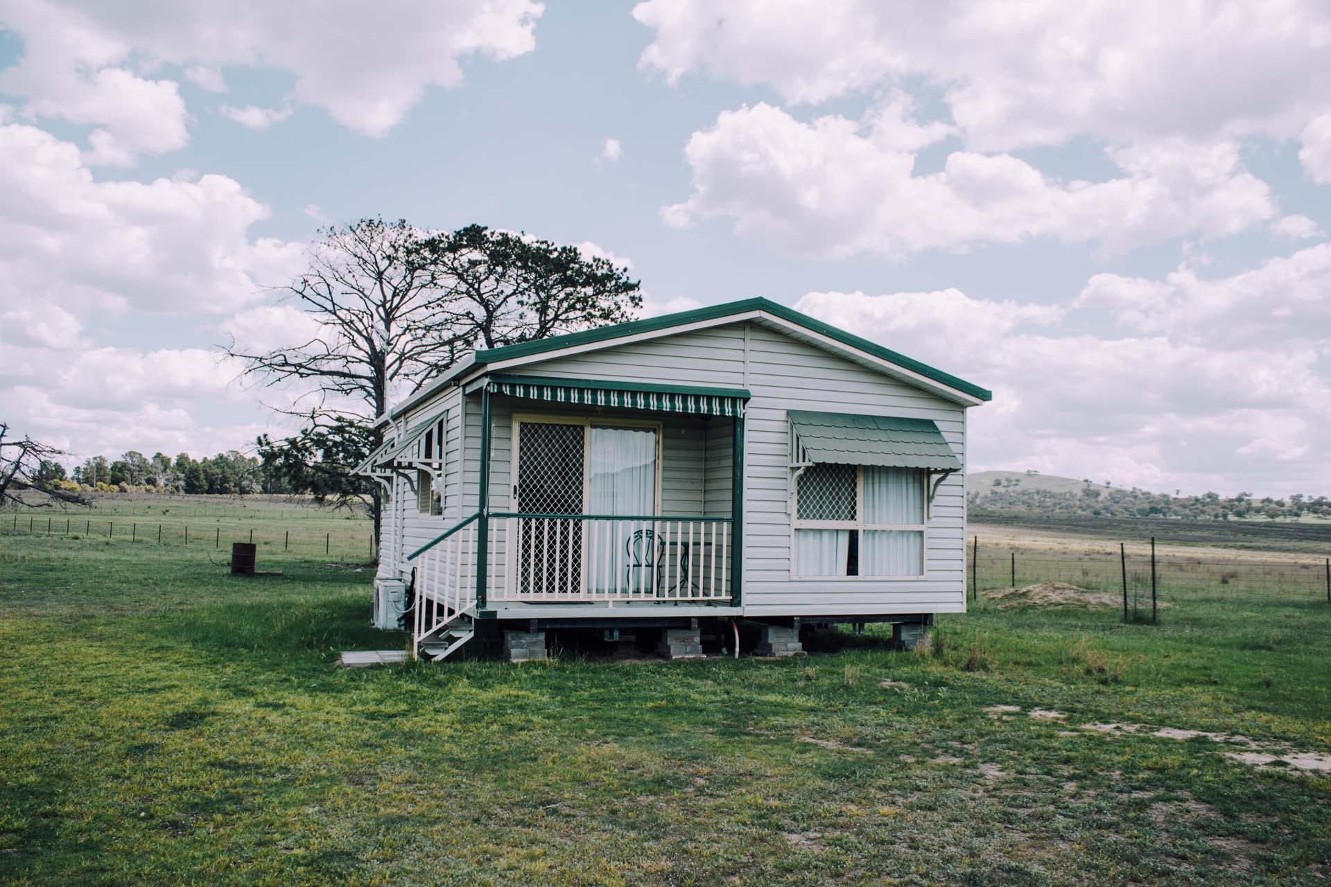 Full facade of the Farmstay at Willow View Pastoral with surrounding paddocks